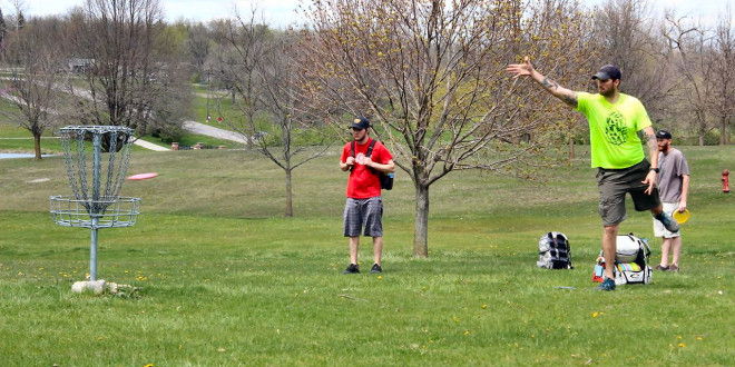 It's Spring: Time for Disc Golf!